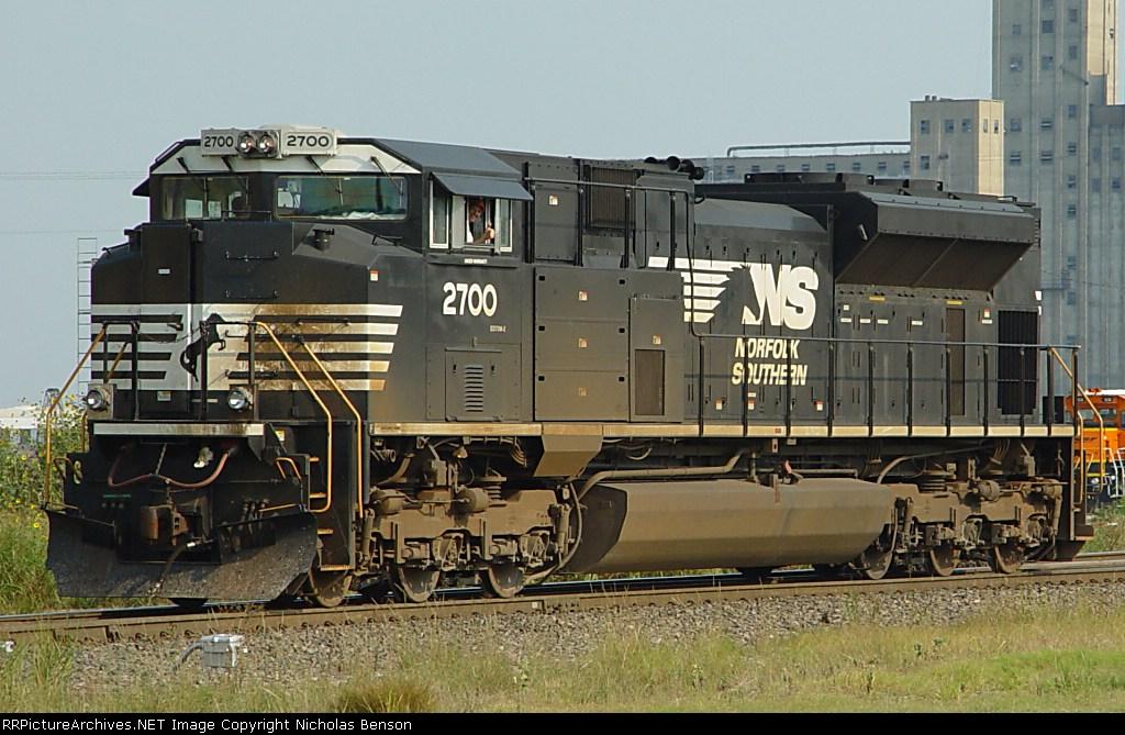 NS 2700