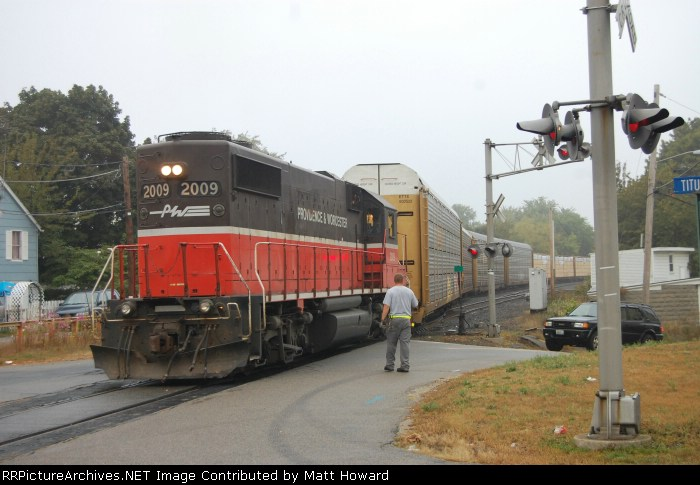 PR-3 is putting his train together, with 4 autoracks for Davisville