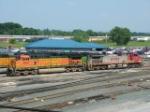 BNSF 4921 & 715
