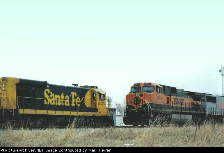 BNSF 1045 West meets ATSF 6355 East