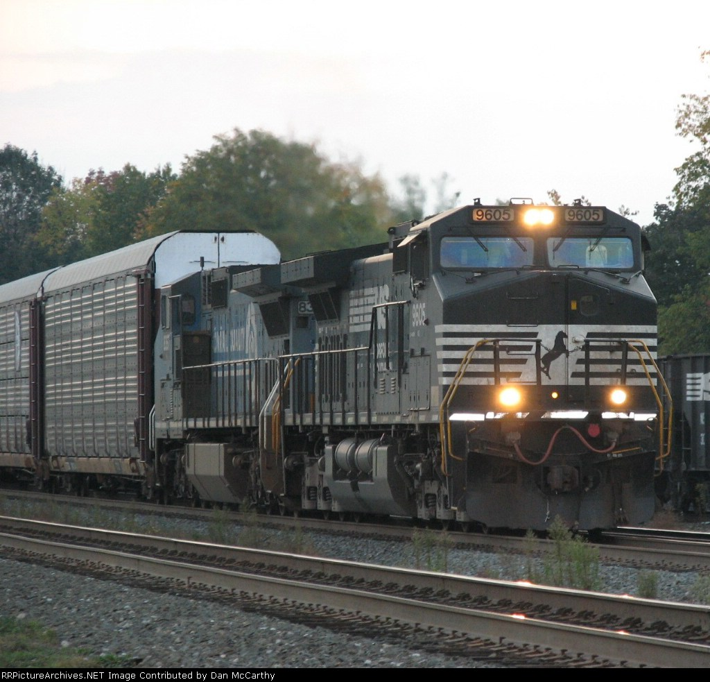 NS And Conrail Widecabs Lead An Autorack