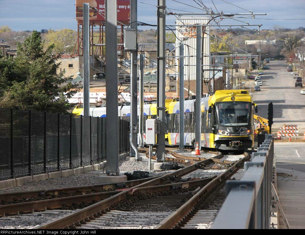 091031004 New Hiawatha light rail extension to Target Field Station