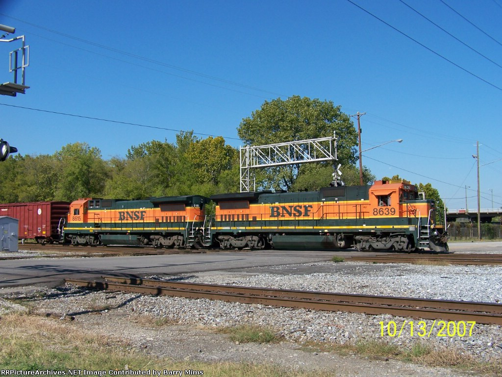 Match set of B40 engines on BNSF transfer at 32nd street