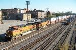 BNSF 4735 leads CSX train Q183 southbound