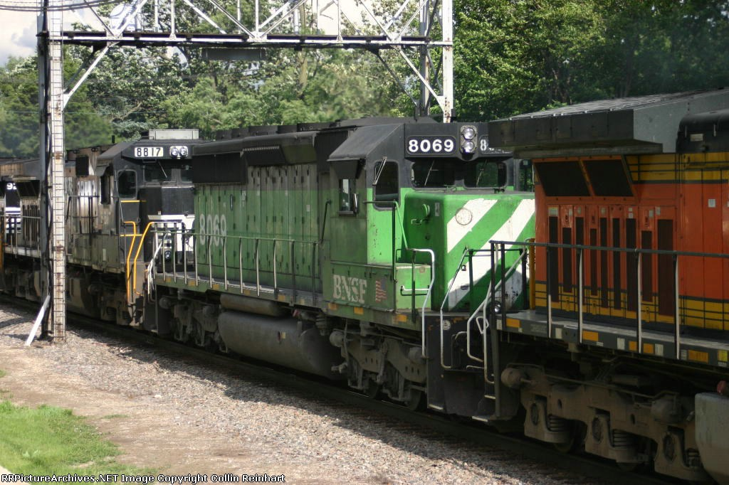 BNSF 8069
