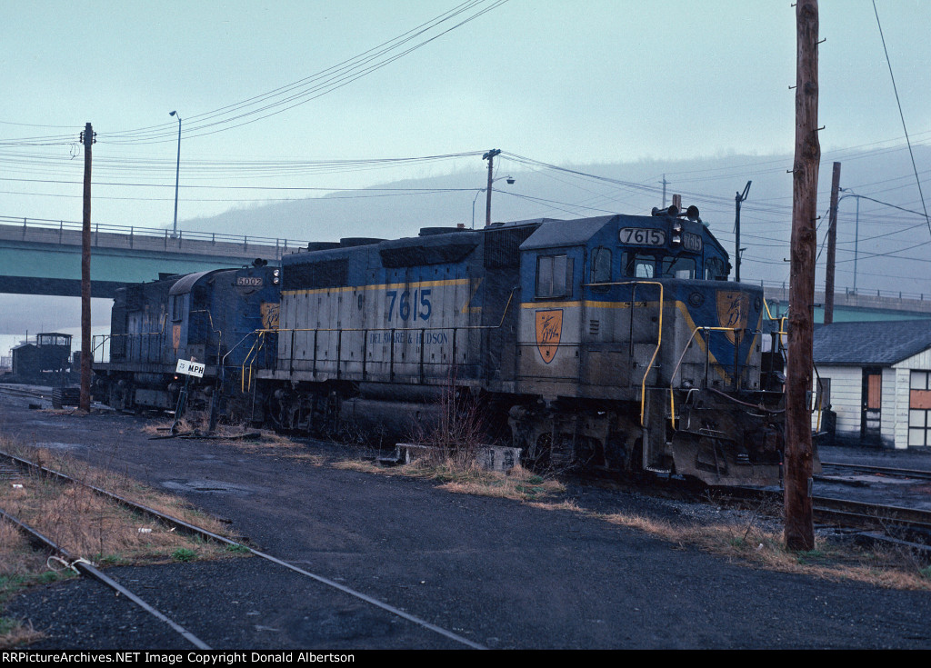 D&H 7615 and 5002