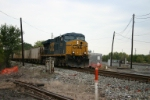 CSX 5389 with empty stone hoppers