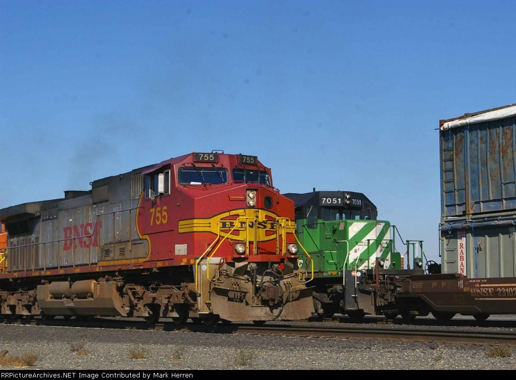 BNSF 755 West