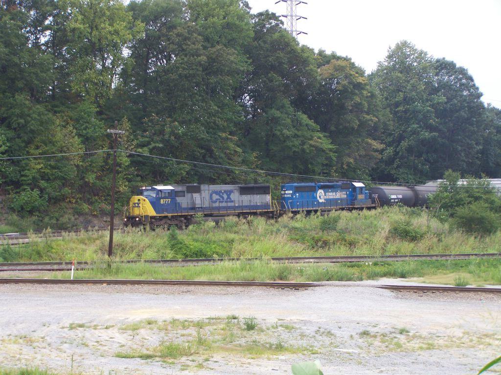 CSX 8777 and CSX 8822 (ex Conrail)