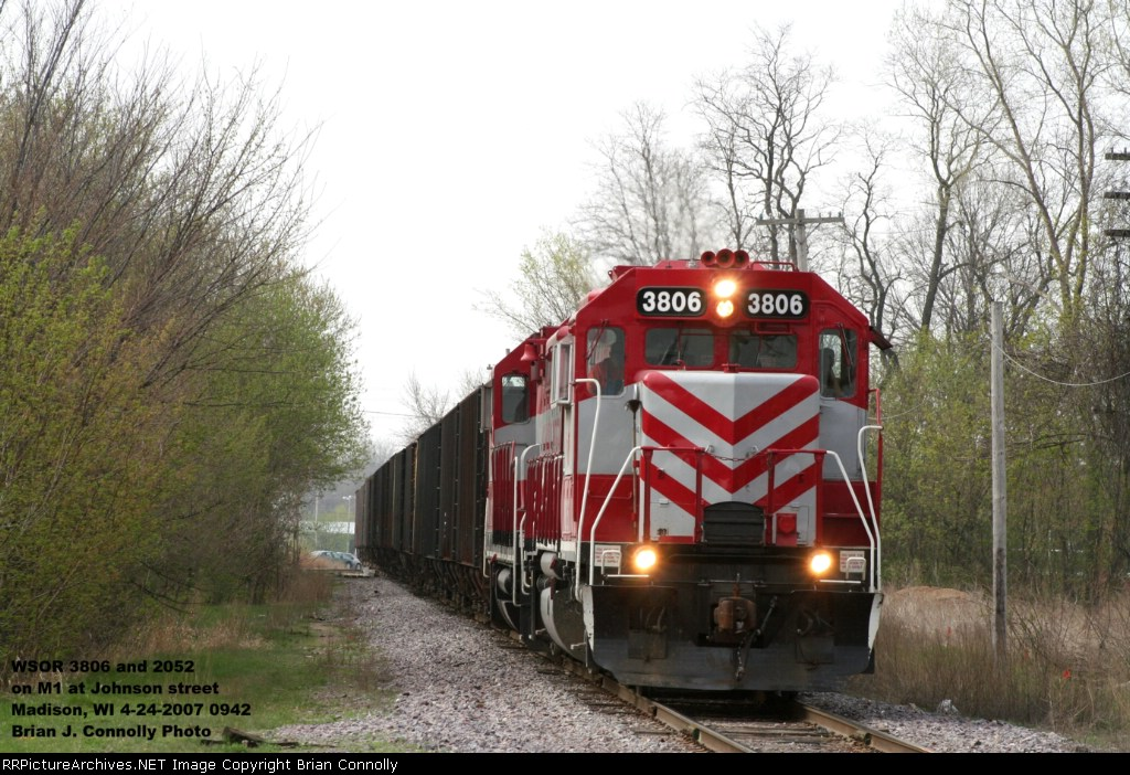 WSOR 3806 and 2052 on M1