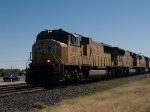 UP 4681 leads a WB doublestack/piggyback at 11:54am
