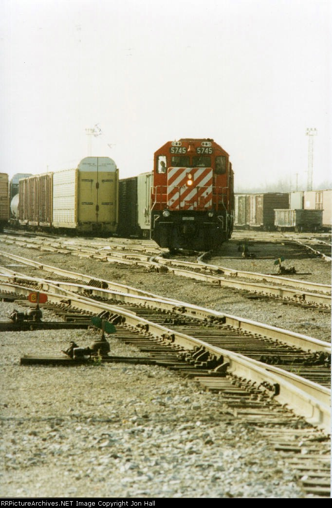 CP 5745 leading out of 8 track