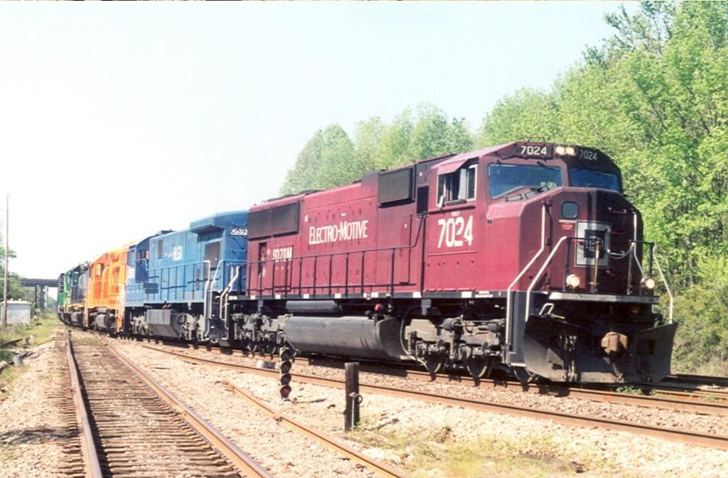 Q692/EMDX 7024