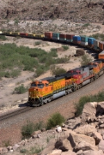 BNSF 5327 leads a westbound stacker
