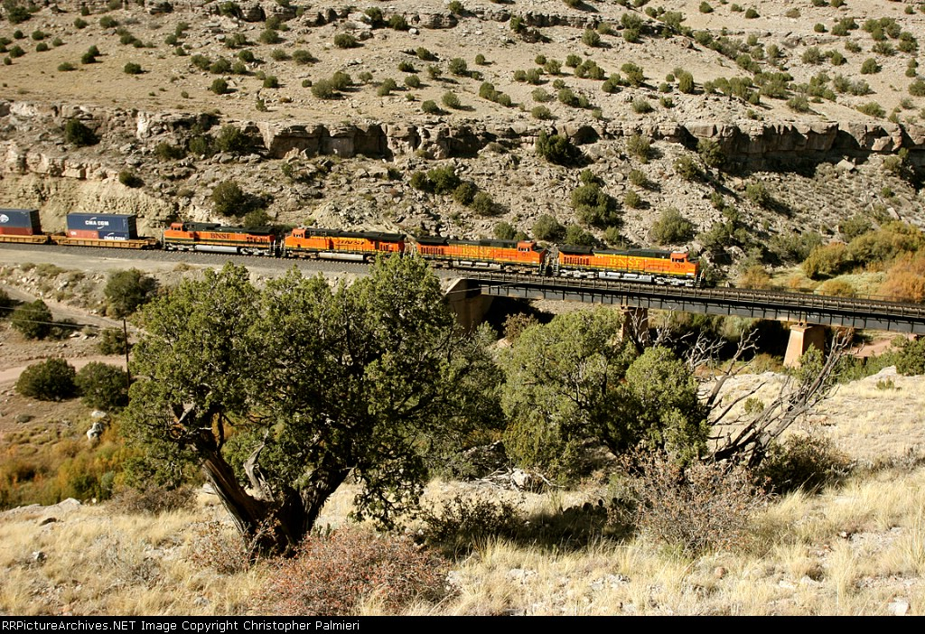 BNSF 5312, 5211, 7633, and 1006