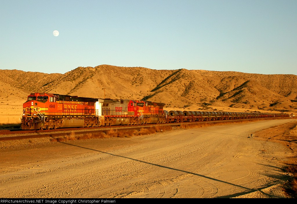 BNSF 4946, 765, and 862