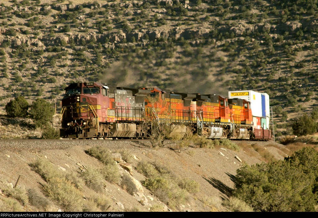 BNSF 824, 907, 4392, and 4100