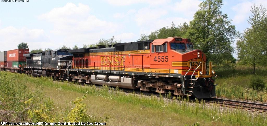 BNSF 4555