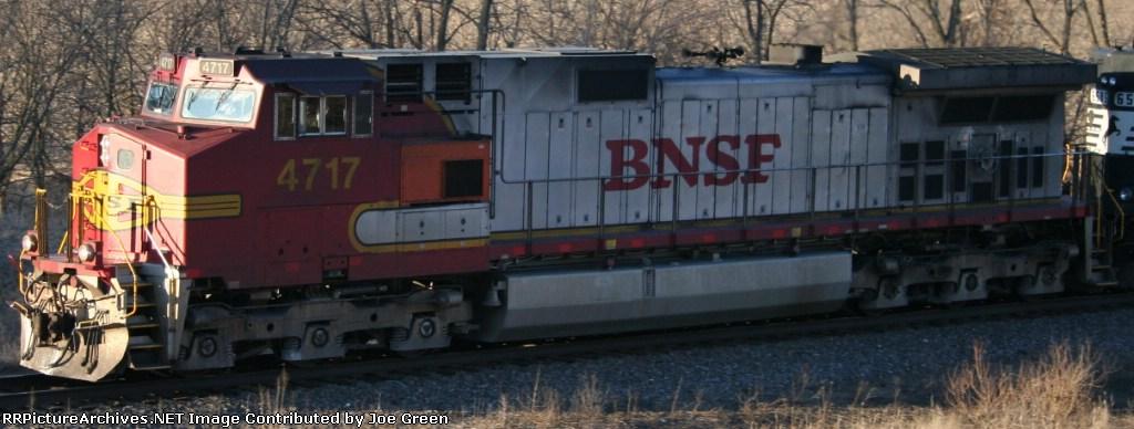 BNSF 4717