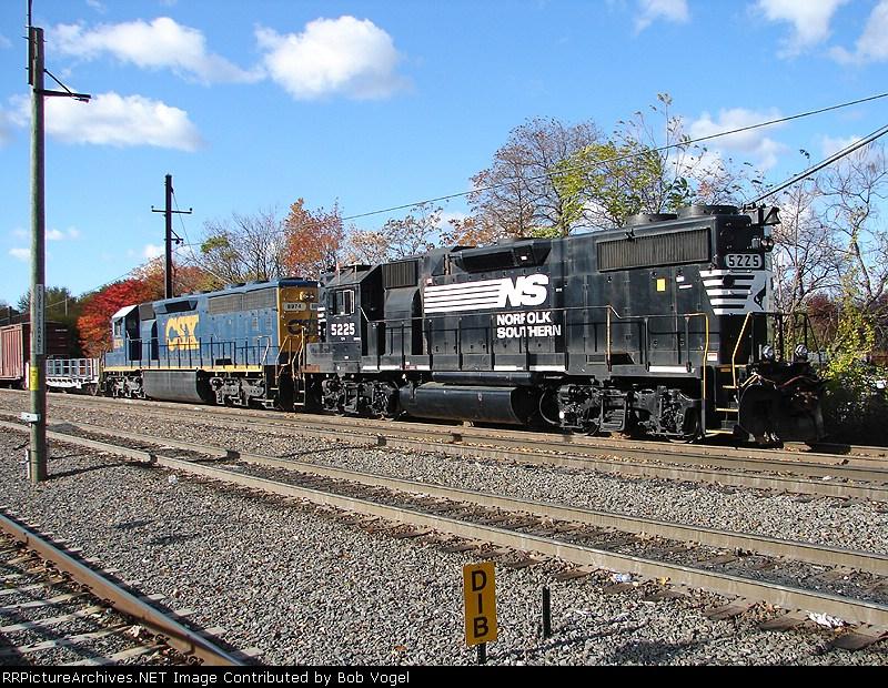 NS 5225 & CSX 8974