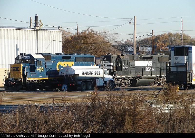 CSX 4406 & NS 5223