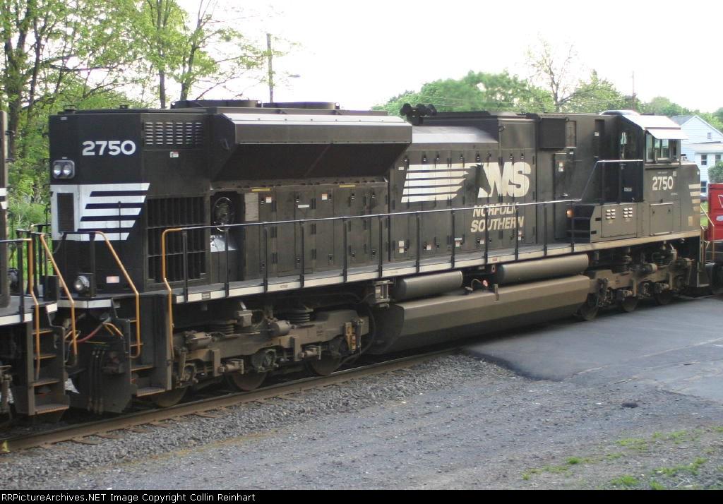 SD70M-2 2750