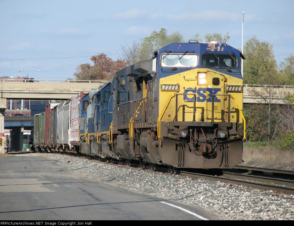 CSX 7777 heading east with Q326-03