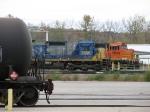 CSX 7586 & BNSF 5699