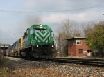 FURX 3045 & CSX 8624 rolling Q326-10 past the remains of Pleasant Street Tower
