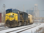 CSX 484 leads X091 eastward