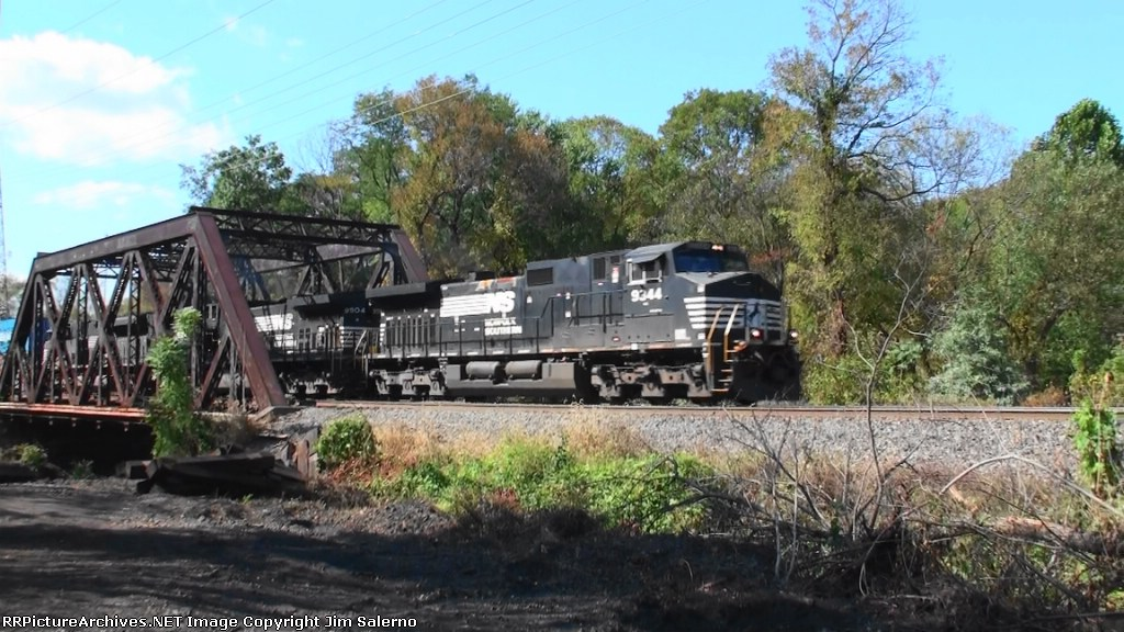 Norfolk Southern 214 Intermodal