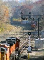 Eastbound BNSF Intermodal Meeting a Westbound BNSF Manifest