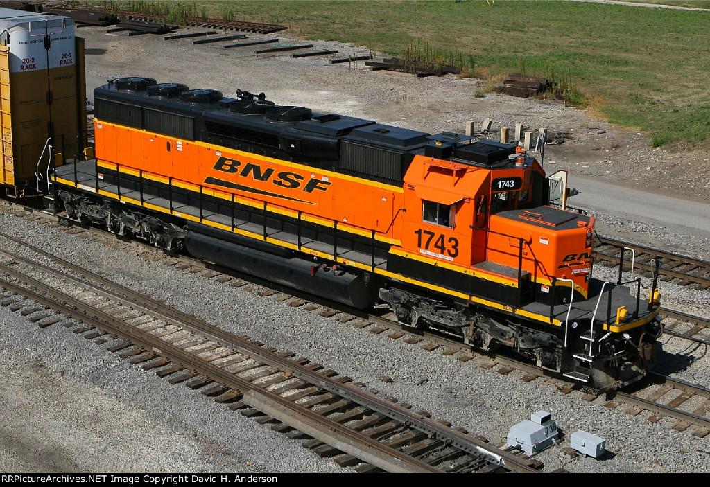 BNSF 1743