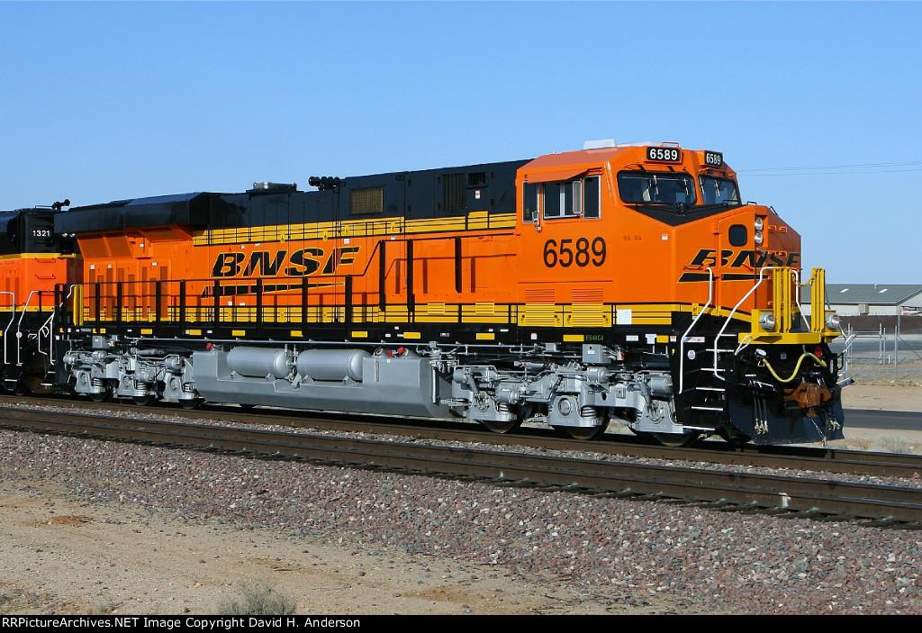 BNSF 6589
