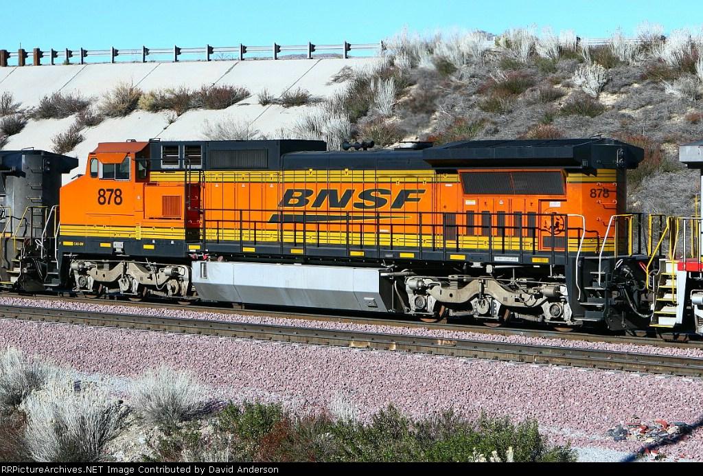 BNSF 878