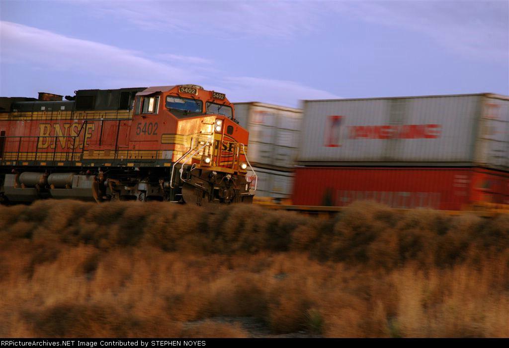 BNSF 5402 Near or
