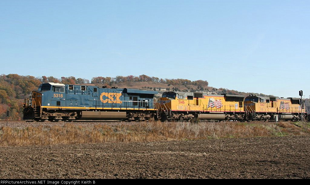 CSX 5318 and UP 5146