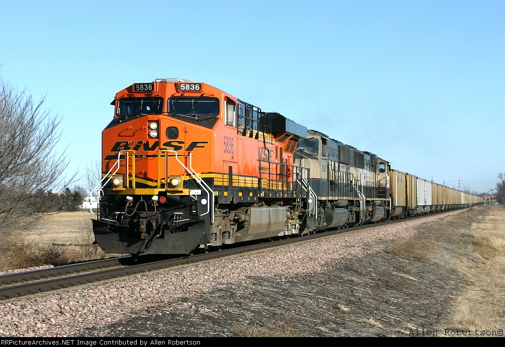 BNSF 5836