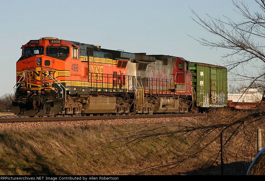 BNSF 4998