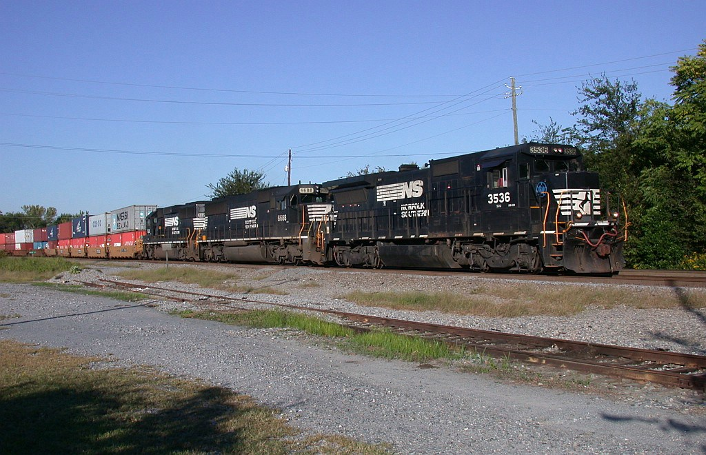 SB intermodal going by the junction
