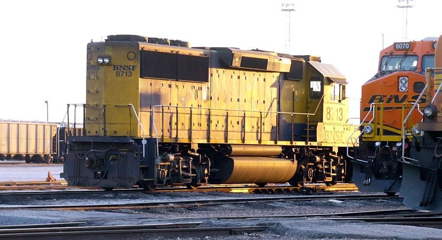 BNSF 8713