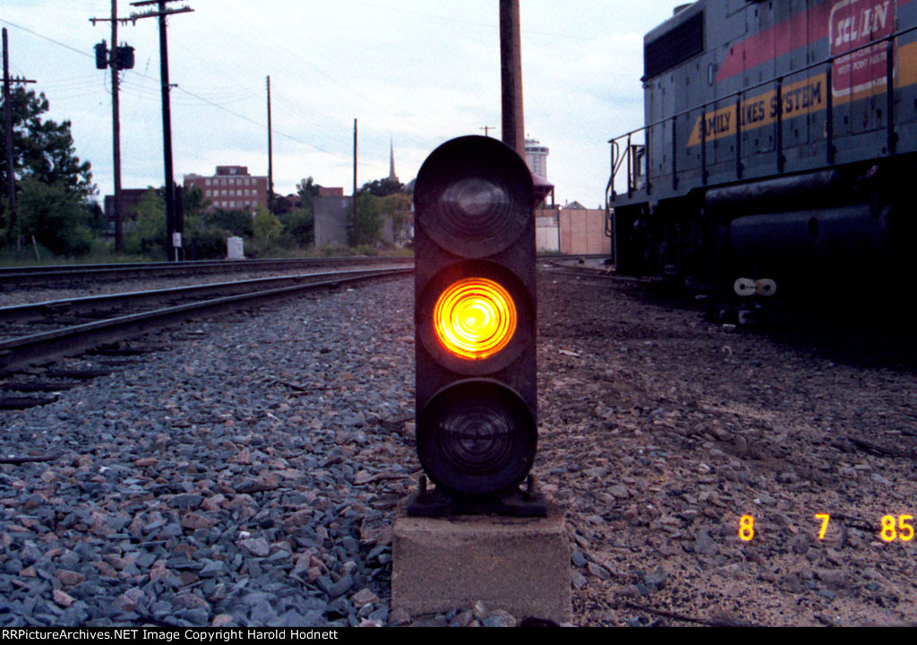 Dwarf signal at south end of Seaboard yard