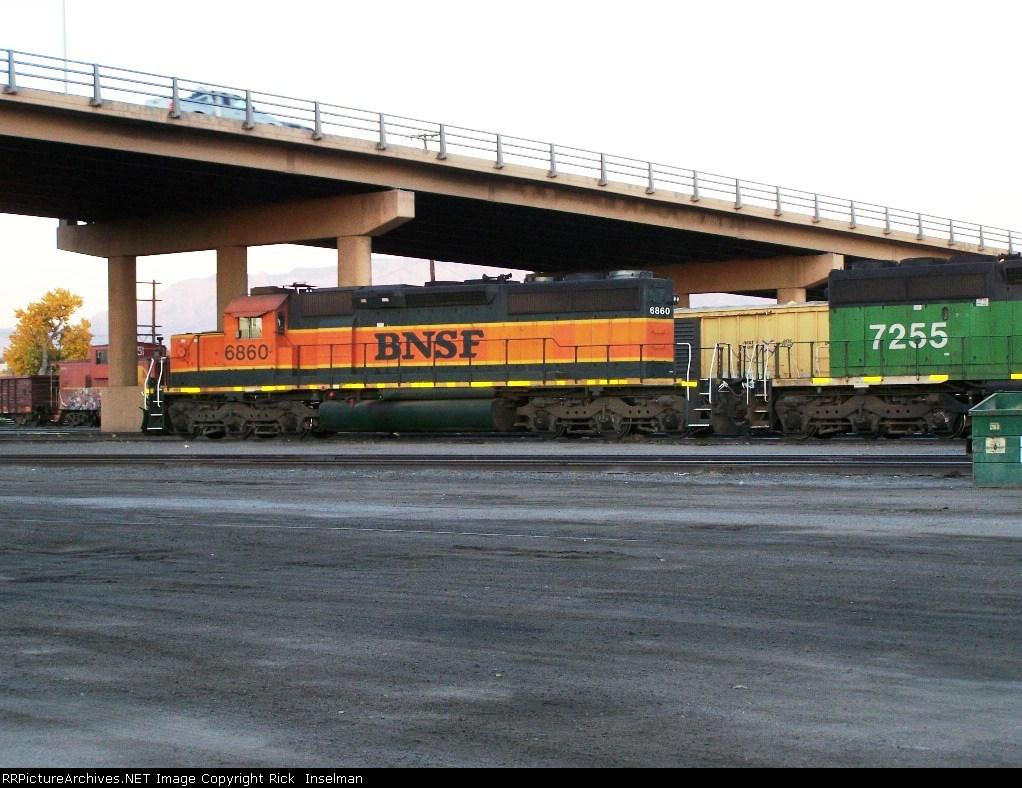 BNSF 6860