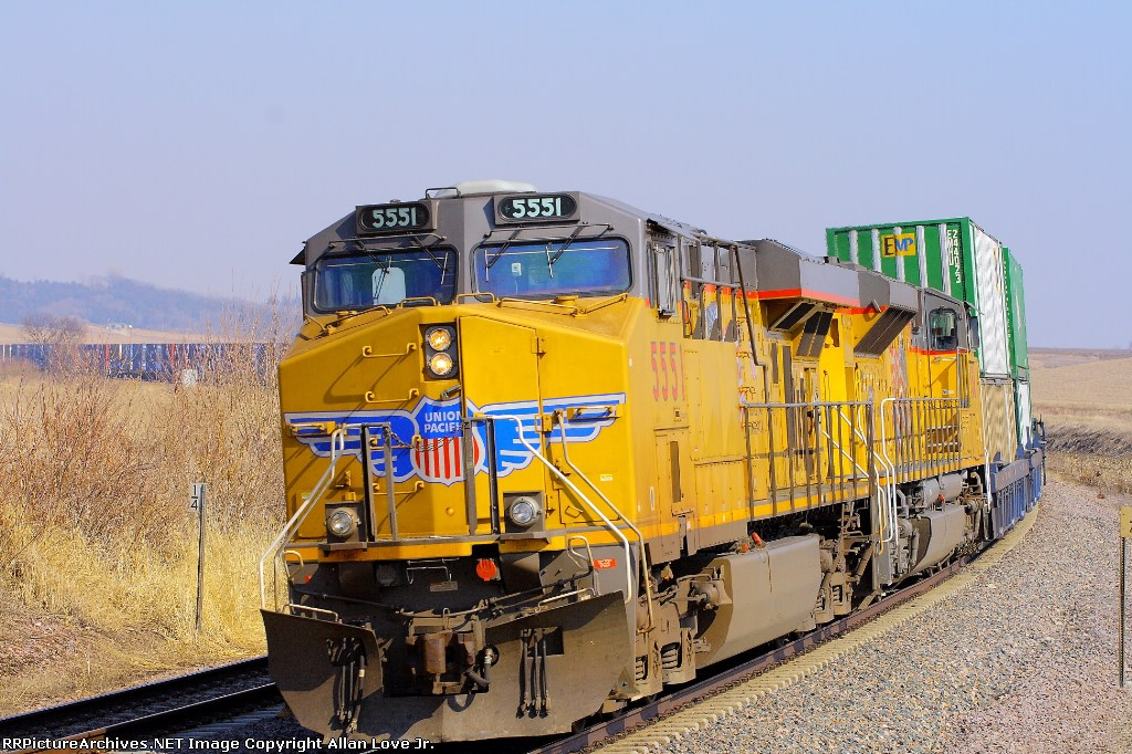UP 5506 east