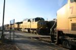 UP 4709 makes it a 3 train meet
