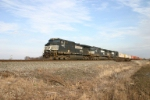 NS 9555 hustles 21K towards Chicago
