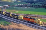 ATSF 5800 leads westbound TOFC