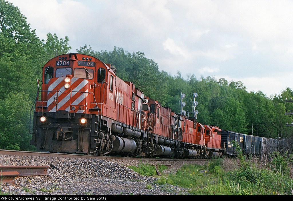 CP 4704