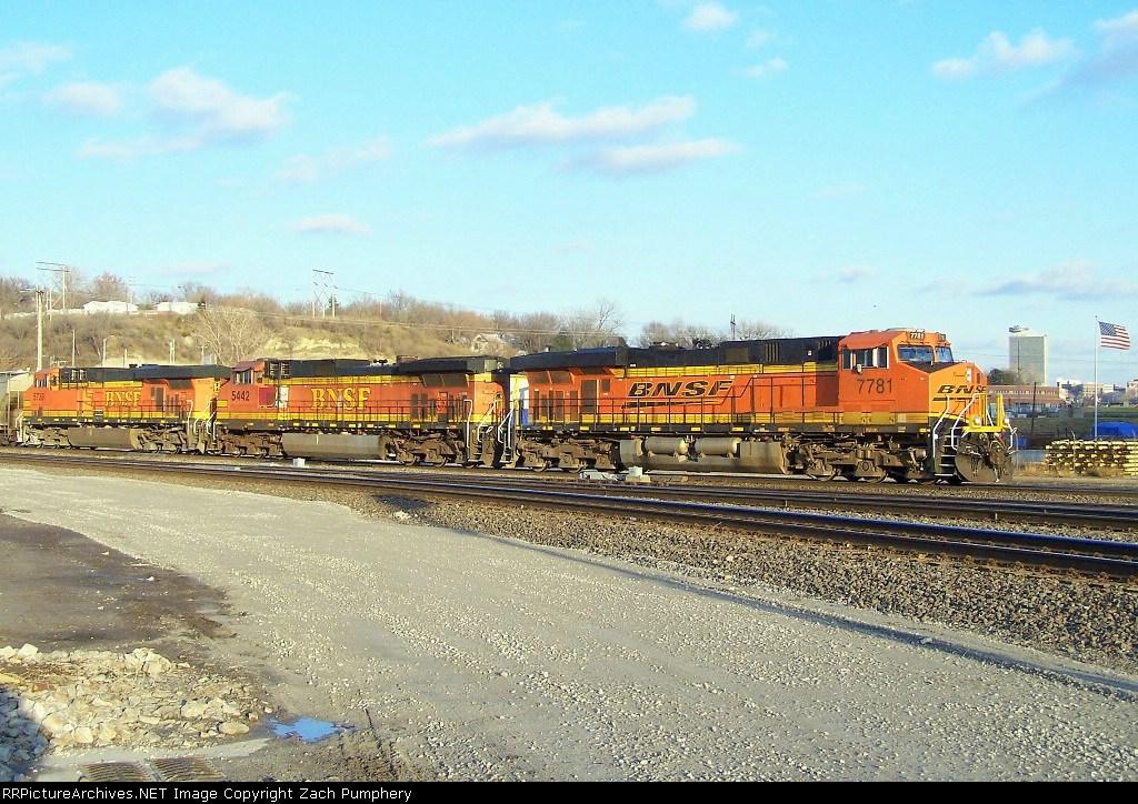Southbound BNSF Loaded Grain Train