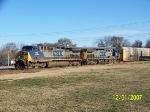 CSX 113 leads southbound train Q201
